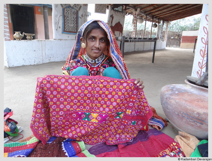 /photos/banni/kutchi_woman.JPG